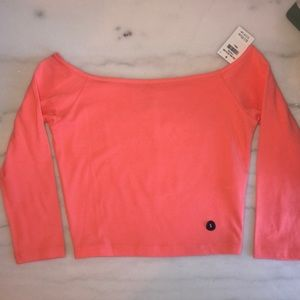 HOLLISTER || NWT off the shoulder coral top